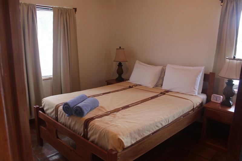 Property_v2/8b--bedroom.jpg