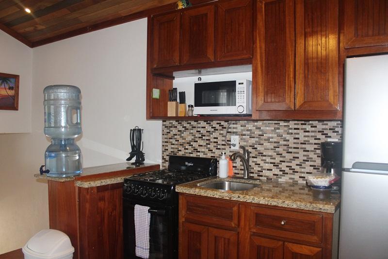 Property_v2/8b--kitchen-2.jpg